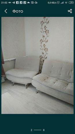 Диван и кресло в комплекте