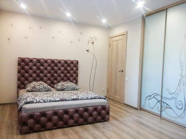Новая евро-студия в центре Соцгорода (пр. Металлургов) сутки-500