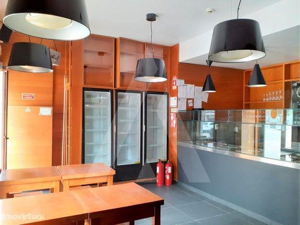 Restaurante para trespasse na Praia da Barra