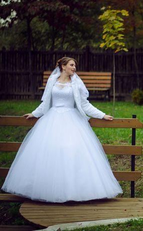 Весільне біле плаття