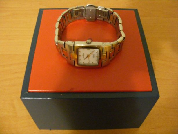 Швейцарський жіночий годинник CANDINO