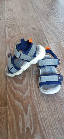 Босоножки (сандали) на мальчика
