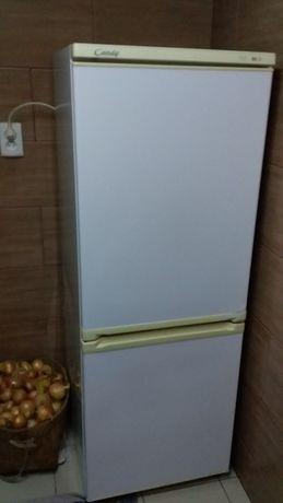 Холодильник бу.Потребує ремонту.