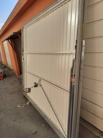Portão de garagem novo