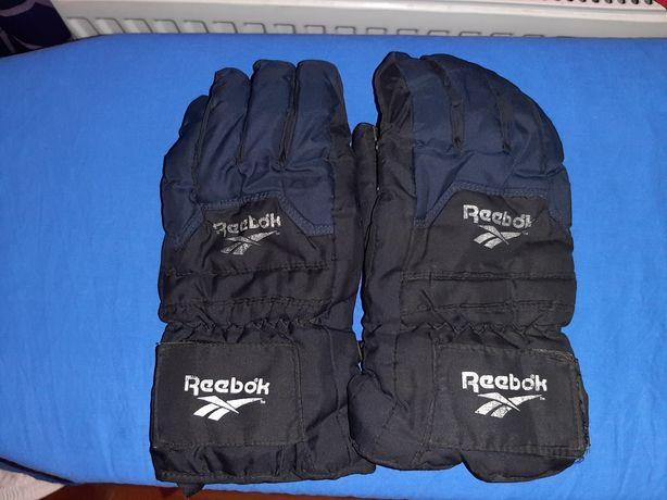 Тёплые перчатки Reebok  в нормальном состоянии