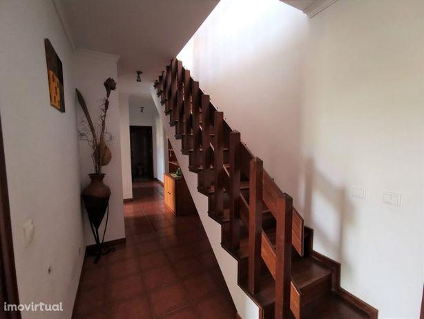 Apartamento T2 Duplex C/ Garagem Cave Venda Esgueira Esgu...