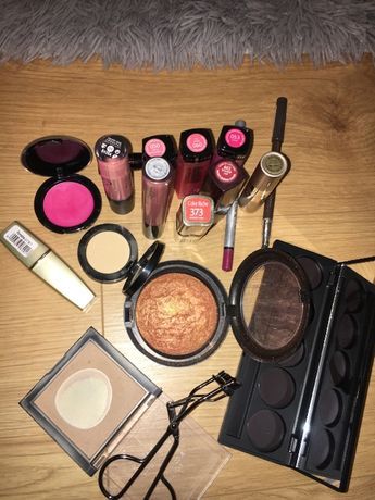 Zestaw do make up - pomadki, brązer Mac, Revlon, Loreal i inne