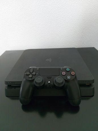 PS4 Slim 1TB + Comando + 3 Jogos