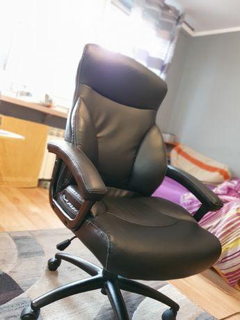 Wygodne krzesło biurowe. Stan jak nowy.
