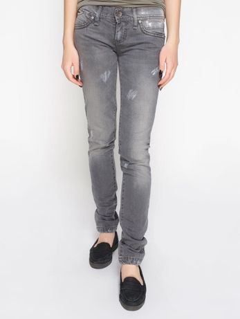 Продам джинси нові