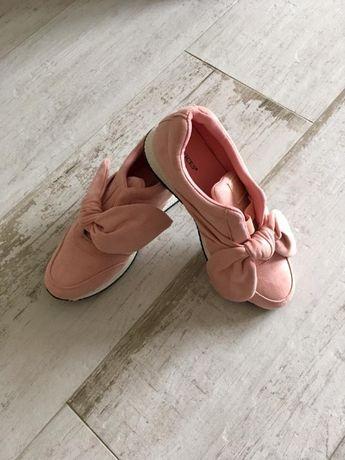 Buty z kokardą, blady róż, piękne 38