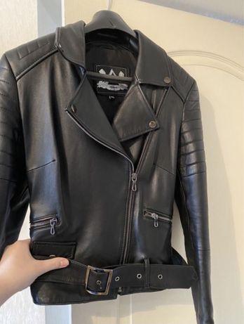 Кожаная куртка италия ! Новая