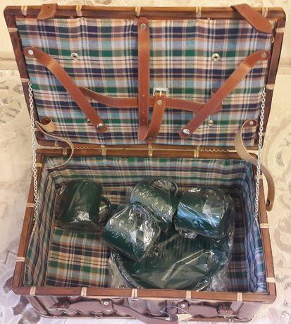 Чемоданчик из бамбука для пикника