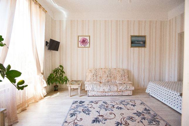 Сучасні, стильні апартаменти подобово, погодинно зразу біля Оперного.