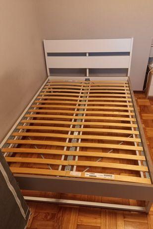 Cama de casal IKEA Trysil (estrado incluído e sem colchão)