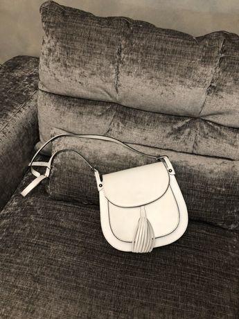 Продам модную Кожаную сумочку.