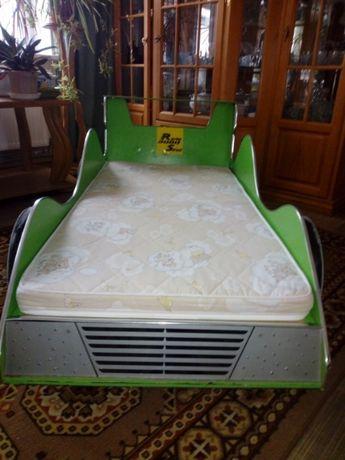 Продаю детскую кровать -автомобиль