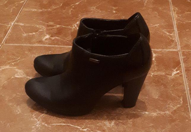 Женские туфли-ботильйоны