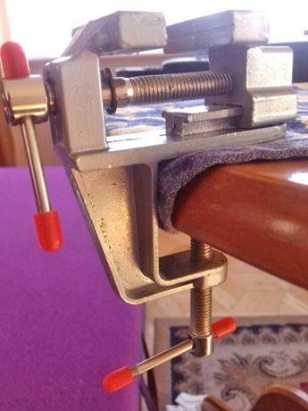 Удобные тиски для работы небольшими деталями. Зажим, тисочки, хватка