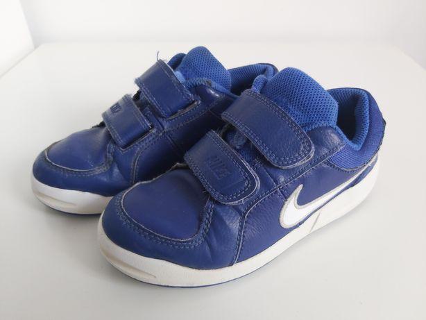 Buty sportowe chłopięce granatowe Nike pico,  28,5. Wkładka 18 cm.