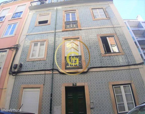 Apartamento T2 Remodelado na Graça, Lisboa