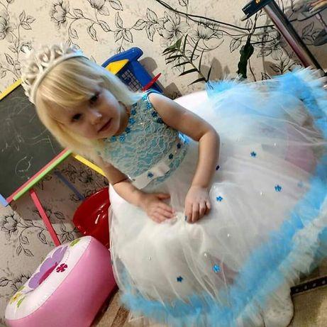 Продам плаття для девочки от2 до 4 лет