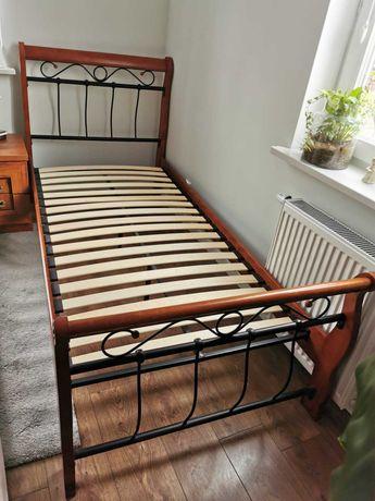 Łóżko drewniane jednoosobowe