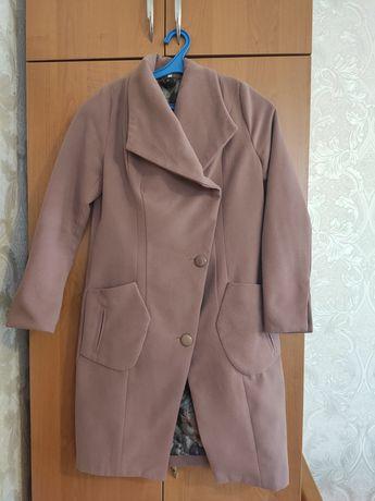 Продам пальто осень/весна
