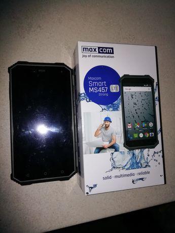 Sprzedam telefon maxcom ms 457
