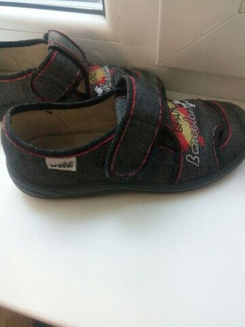 Продам дитячі черевички