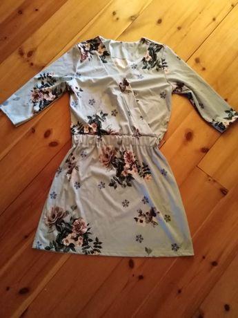 Sukienka błękitna w kwiaty xs