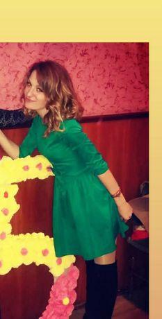 Продам платье, красивое, зелёного цвета, размер 42,44,46