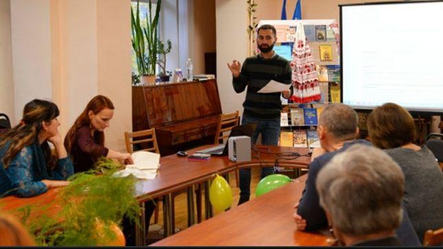 Репетитор, учитель з чистої української мови