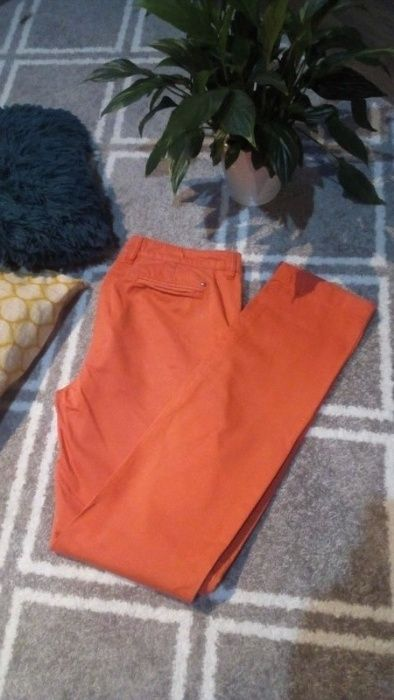 Spodnie chinosy Tommy Hilfiger Rozmiar M Nysa - image 1