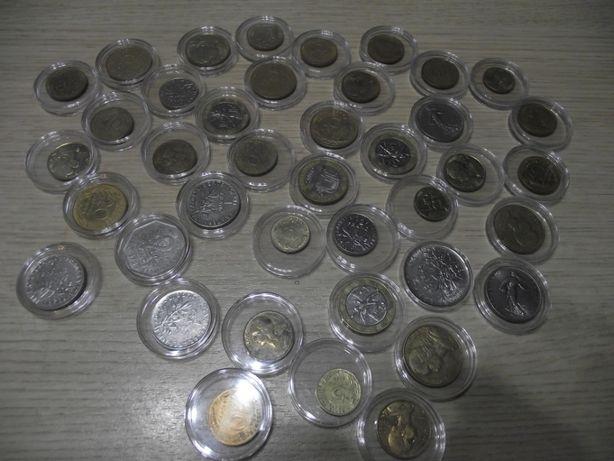 Monety Francja 40 szt w kapslu