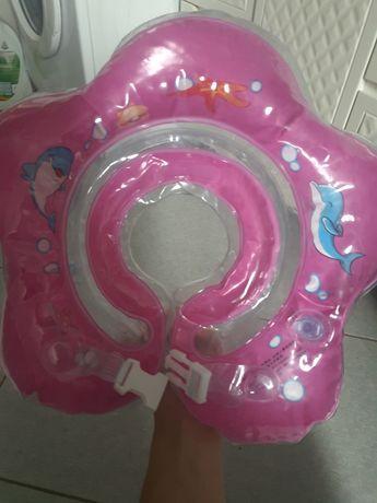 круг для купания младенца, купання малюка