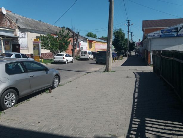 Продам Фасадну ч/б Центр міста