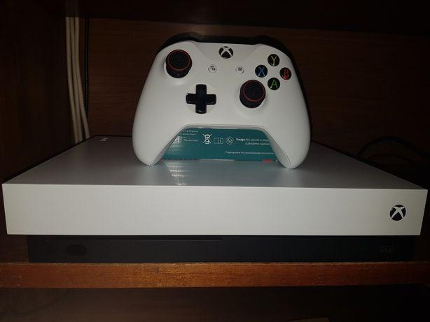Konsola Xbox One X/850zl bez pada