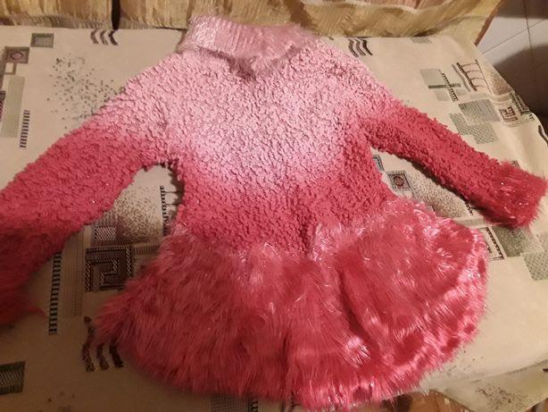 Продам нарядный свитер 104