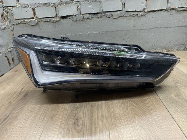 Фара Acura ILX Акура ІЛХ  2018 2019 2020рік США  Права