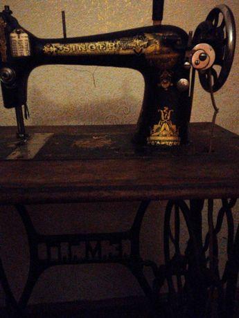 Продам швейную машинку Зингер с ножным приводом