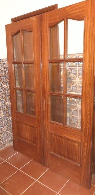 Porta Dupla Madeira com 6 Vidros