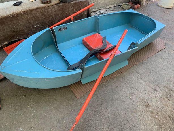 Лодка трехсекционная разборная МАЛЮТКА