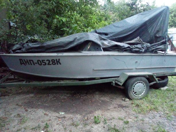 Лодка. Катер прогресс-2 с прицепом.