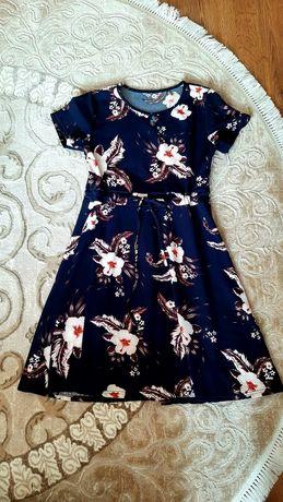 Платье темно-синього кольору