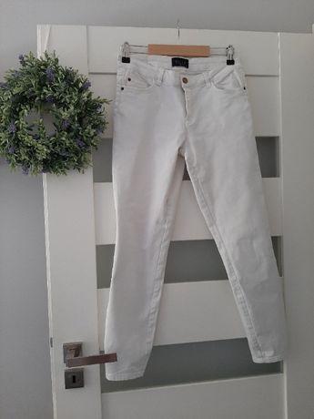 Białe jeansy Mohito rozm. 36