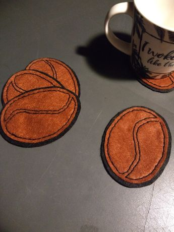 Podkładki filcowe z haftem - kawa, ręcznie robione, 4 sztuki