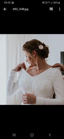 Suknia ślubna prosta długi rękaw