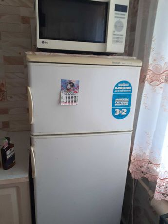 """Холодильник """"Снайге"""""""