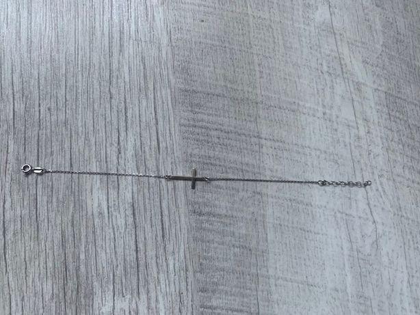 Srebrna bransoletka z krzyżem krzyżyk regulowana